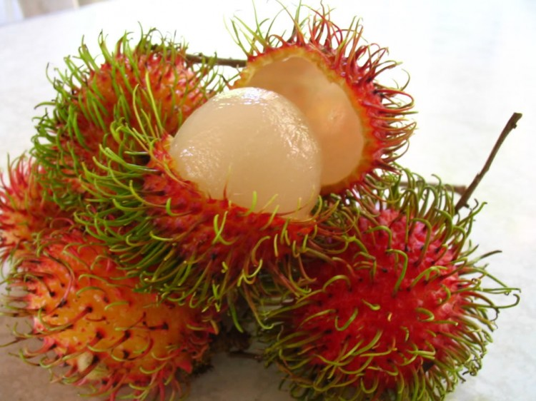 Delicious-Fruits-Rambutan